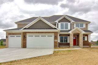 887 Schilling Drive, Crown Point IN