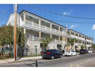 3205 Carondelet Street, New Orleans LA