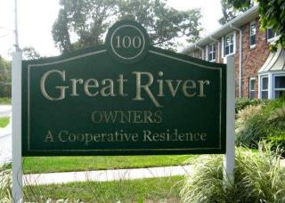 100 Connetquot Avenue #22, East Islip NY