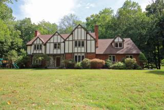 3 Manor Road, Brookfield CT