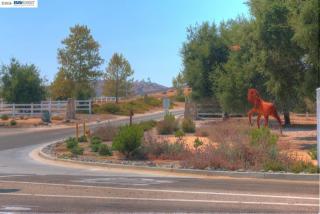 21903 Los Robles Road, Murrieta CA