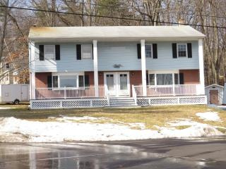 2 Middle Road, Plaistow NH