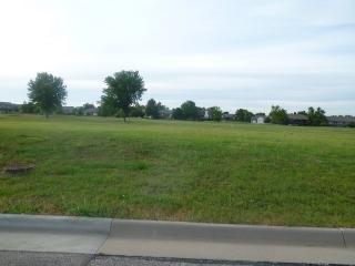 624 Quail Nest Road, Winfield KS