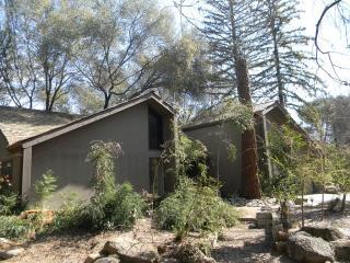 40502 Cherokee Oaks Drive, Three Rivers CA