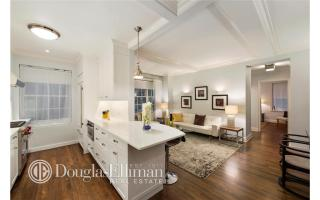 28 E 10th St, New York, NY
