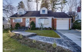 23 Sideview Drive, Oyster Bay NY