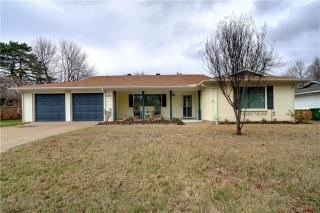 616 Woodside Drive, Hurst TX