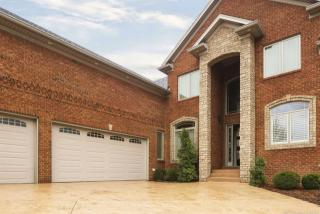2000 Vincennes Place, Floyds Knobs IN