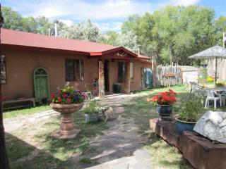 502 La Lomita Road, Taos NM