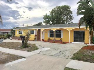 421 West 31st Street, Riviera Beach FL