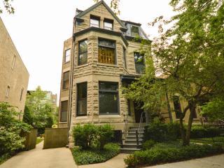 2320 North Cleveland Avenue, Chicago IL