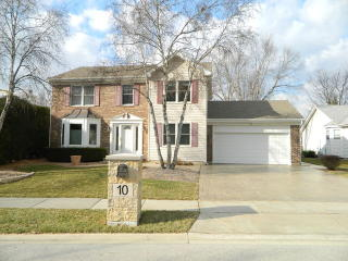 10 Little Creek Court, Streamwood IL