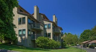 200 Greenridge Dr, Lake Oswego, OR