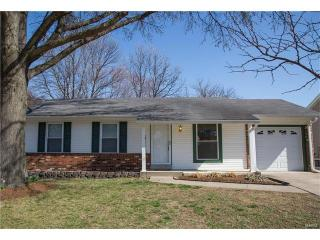 2436 Village Glen Court, Maryland Heights MO