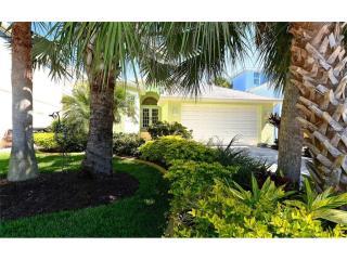 80 Island Circle, Sarasota FL
