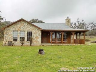 226 Meadow Ridge Court, Pipe Creek TX