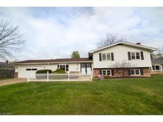 28610 Lynhaven Drive, North Olmsted OH