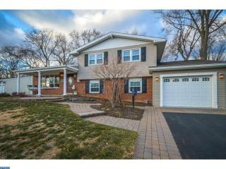 124 Hedgerow Dr, Morrisville, PA