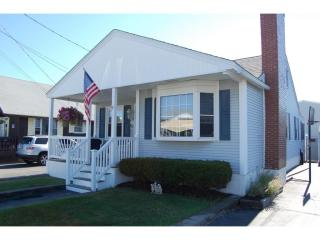 11 Harris Avenue, Hampton NH