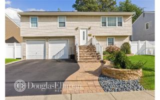 2727 Lee Place, Bellmore NY