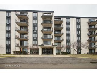 9098 West Terrace Drive #6G, Niles IL