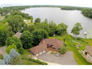 585 County Road B2 East, Little Canada MN
