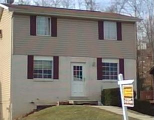 217 Valley Stream Dr, Delmont, PA