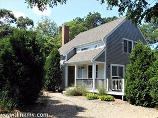 72 9th St N, Edgartown, MA