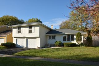1552 Andover Ave, Saint Charles, IL