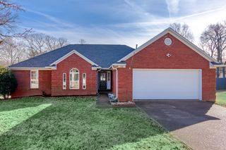 230 Executive Dr, Jackson, TN