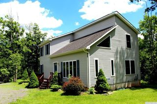 696 Old Rd, East Windham, NY