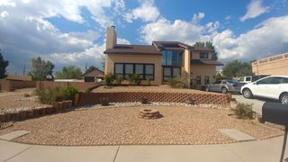 14101 Sunglow Rd NE, Albuquerque, NM