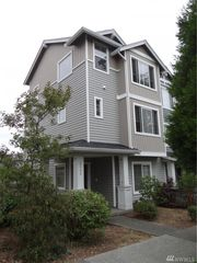 2808 SW Bataan St, Seattle, WA
