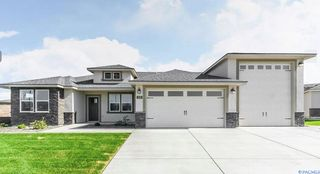 828 Meadows Dr S, Richland, WA