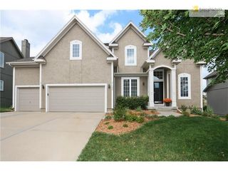 21600 W 99th Ter, Lenexa, KS