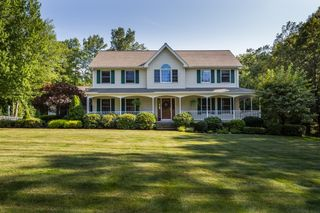 11 Grassy Meadow Rd, Wilbraham, MA