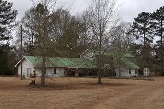 22 Campbell Rd, Jayess, MS