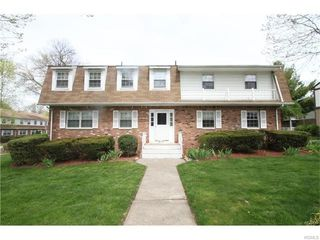 90 Parkside Dr, Suffern, NY