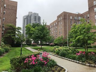 112-20 72nd Dr, Forest Hills, NY