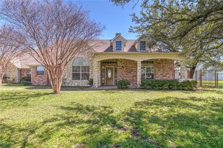 212 Megan Ct, Hudson Oaks, TX