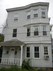 8-10 Merrimack View Ct, Lawrence, MA