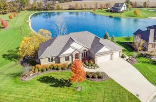 339 Crestwood Ct, Bluffton, IN