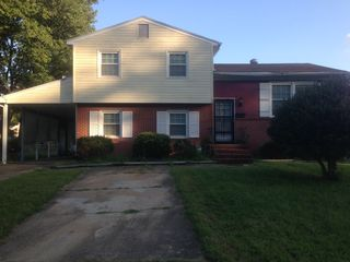 120 Saint Stephens Dr, Newport News, VA