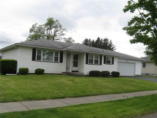 285 Wahl Rd, Rochester, NY