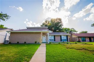 1233 Meandering Way, Garland, TX