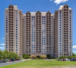 1 Towers Park Ln #717, San Antonio, TX