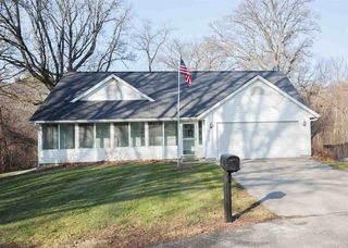 2 Goembel Dr, Colona, IL