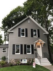 8 Bayview Ave, Danvers, MA