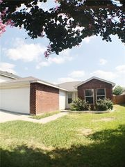 8737 Polo Dr, Fort Worth, TX