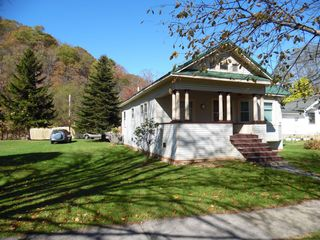 1106 10th Ave, Marlinton, WV